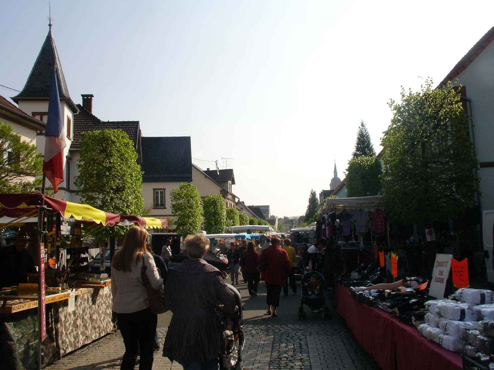 https://apps.tourisme-alsace.info/photos/niederbronn/photos/foire-Reichshoffen.jpg
