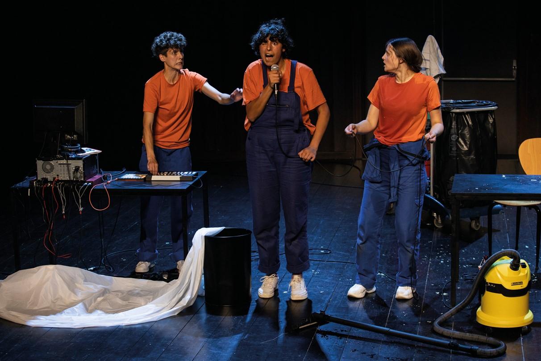 Théâtre - Hors Service - Cie n°7