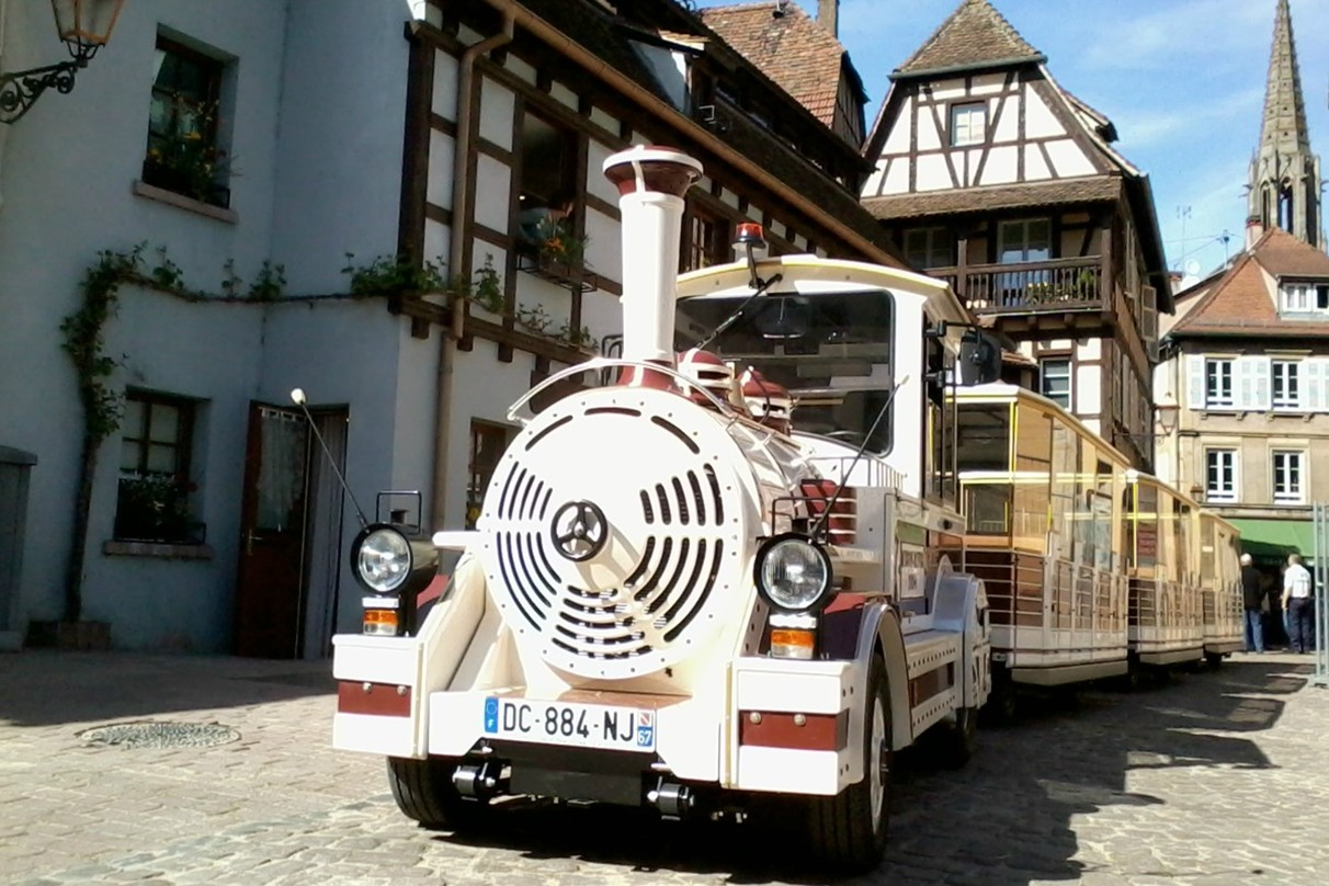 https://apps.tourisme-alsace.info/photos/obernai2/photos/220005313_petit_train1.jpg