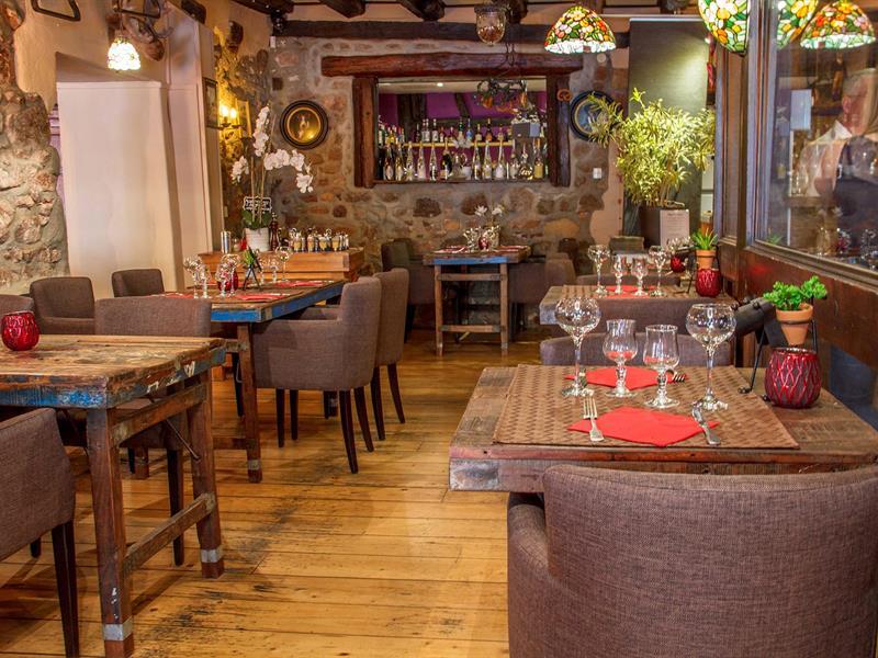 © Hôtel-restaurant Au Cerf