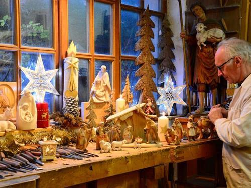 Noël à l'atelier de sculpture sur bois