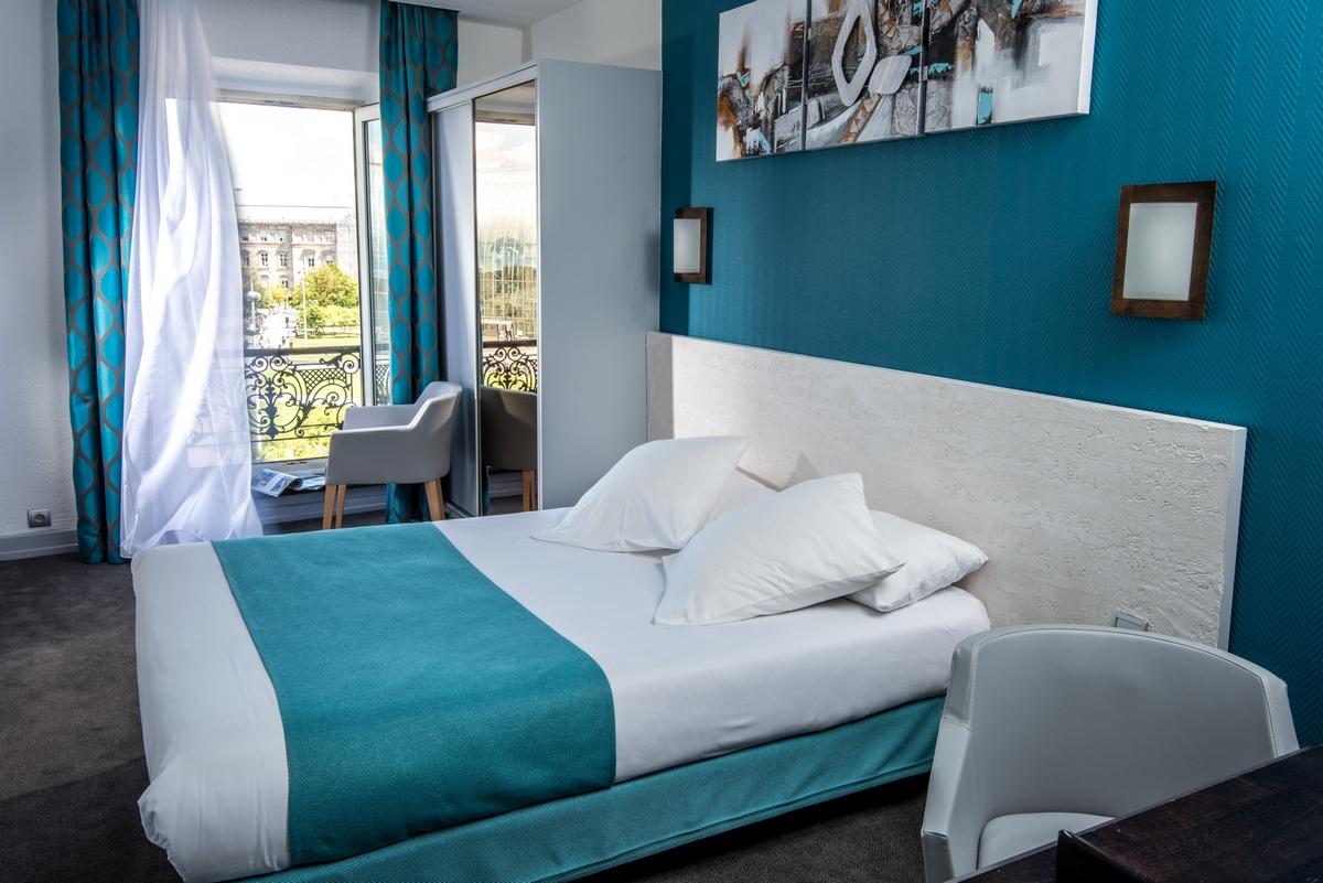 inter h tel le bristol strasbourg centre gare strasbourg. Black Bedroom Furniture Sets. Home Design Ideas