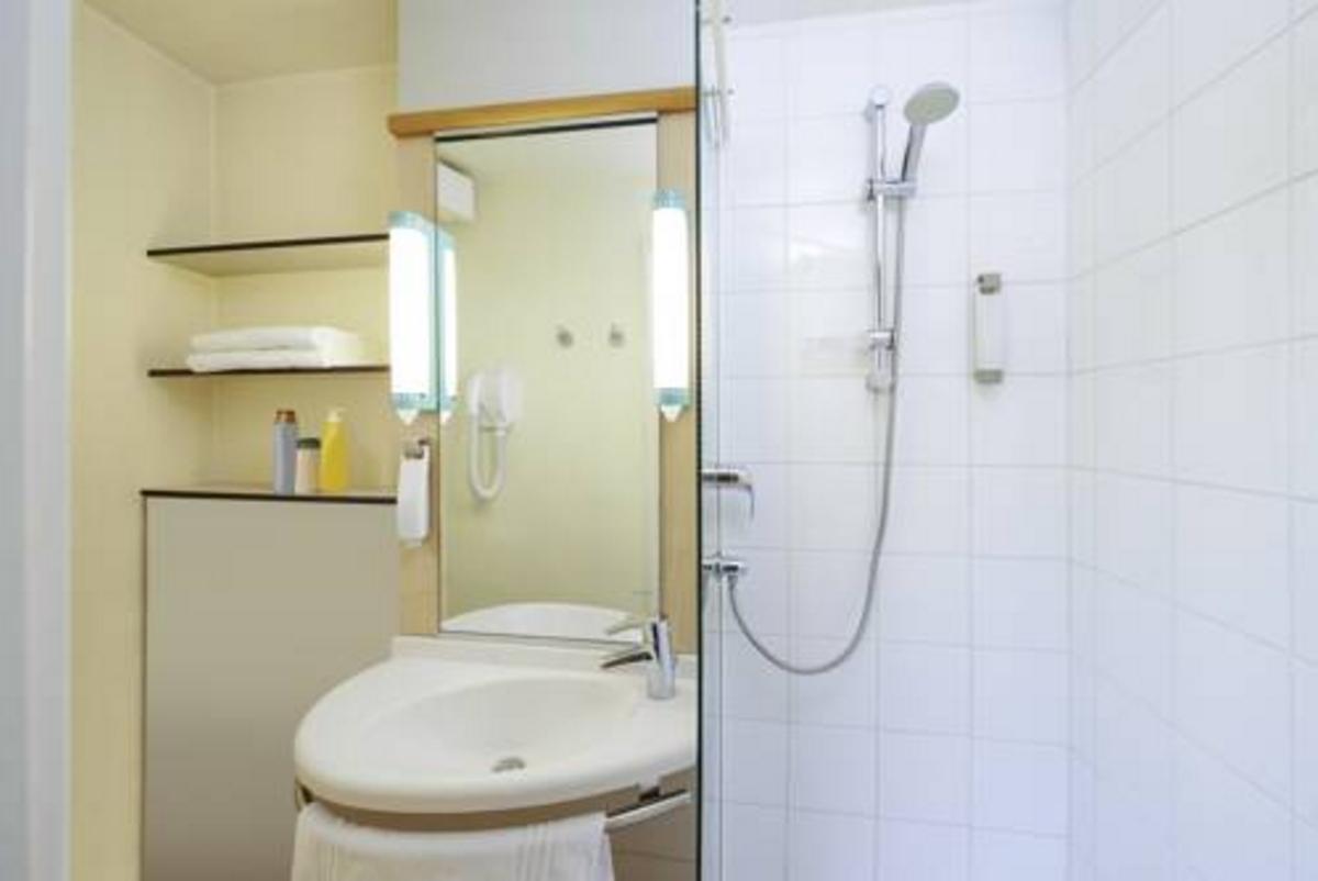 h tel ibis strasbourg centre historique strasbourg. Black Bedroom Furniture Sets. Home Design Ideas