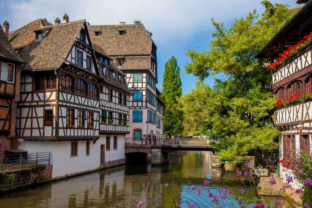 https://apps.tourisme-alsace.info/photos/strasbourg/photos/223007616_4.jpg