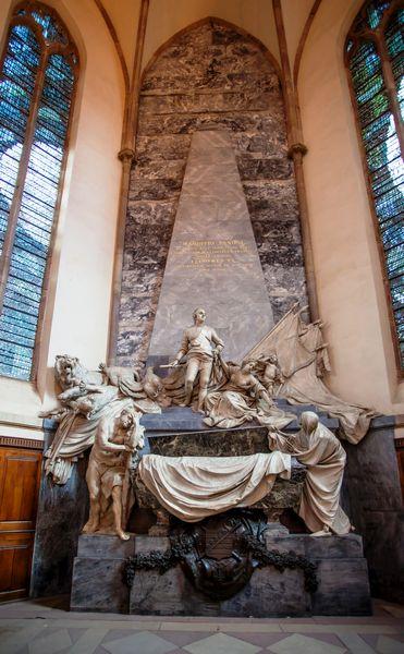 Visite-conférence : Les monuments funéraires de Saint-Thomas