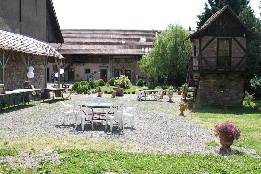Group accommodation Domaine Saint Loup