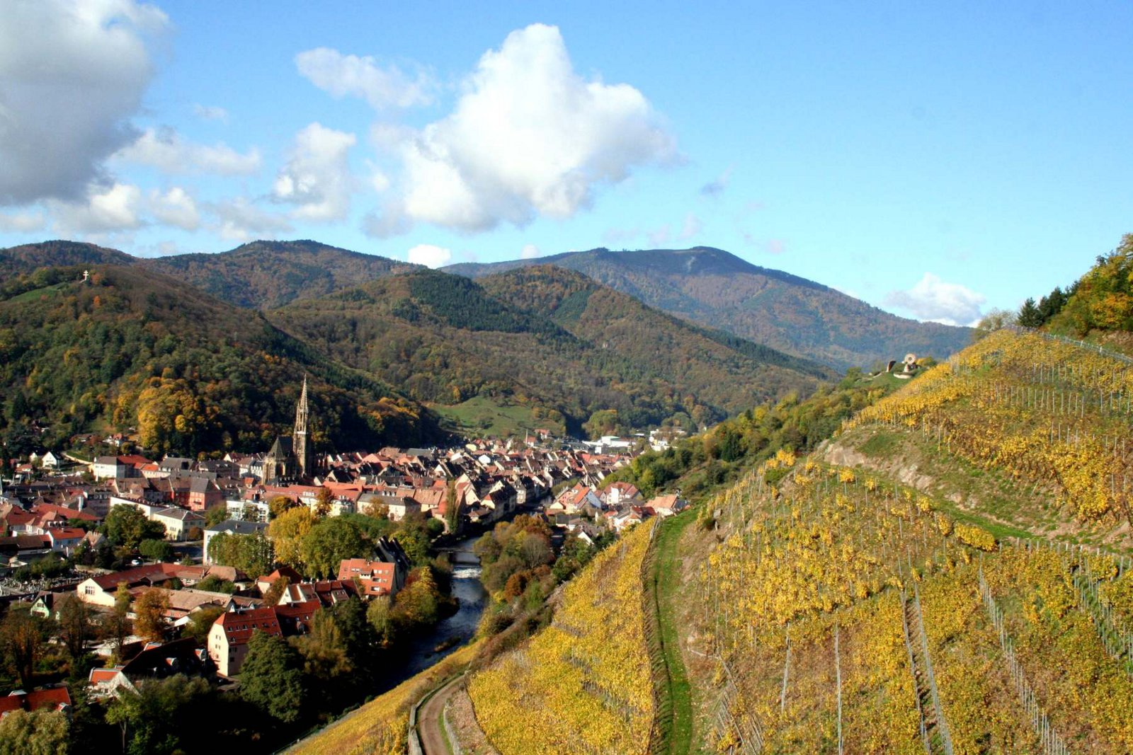 https://apps.tourisme-alsace.info/photos/thann/photos/239003506_1.jpg