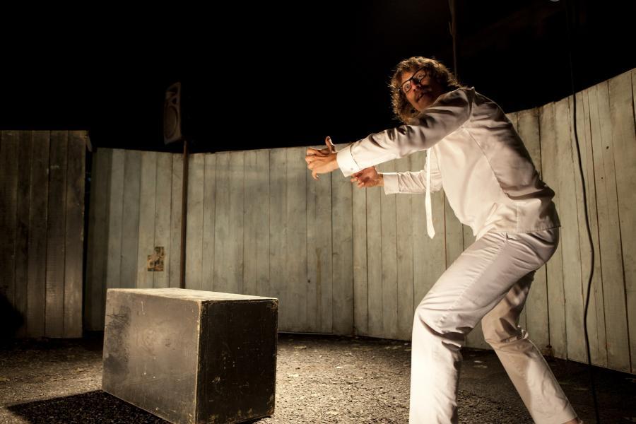 Théâtre : la grande saga de la Françafrique