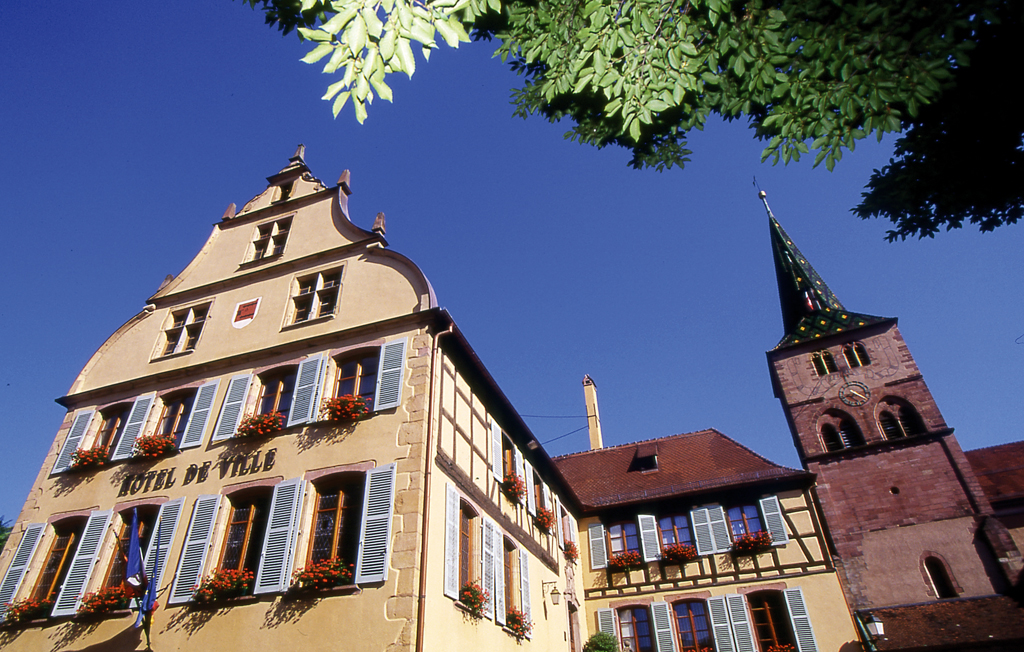 https://apps.tourisme-alsace.info/photos/turckheim/photos/236001940_1.jpg