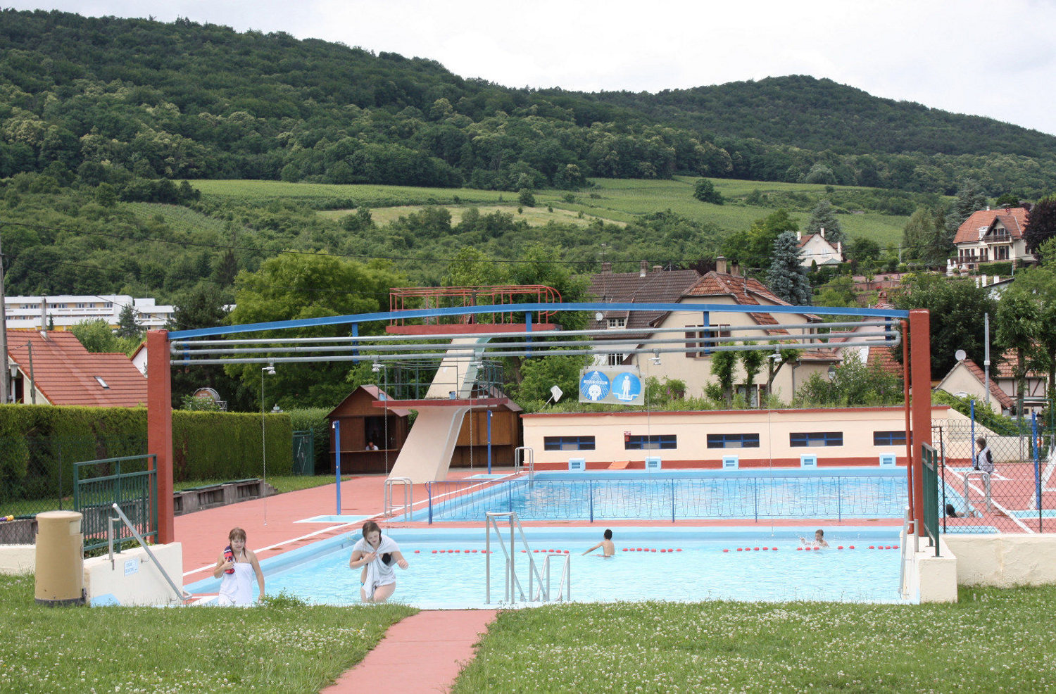 Piscine de plein air wissembourg for Piscine wasquehal